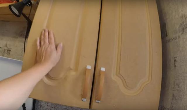 Фасады на кухонном гарнитуре: как обновить своими руками?