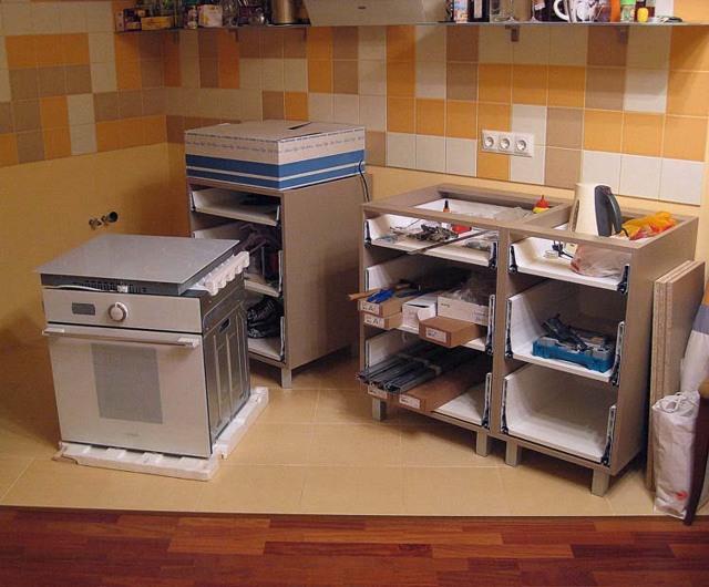 Собираем кухонный гарнитур своими руками: полезные советы с фото