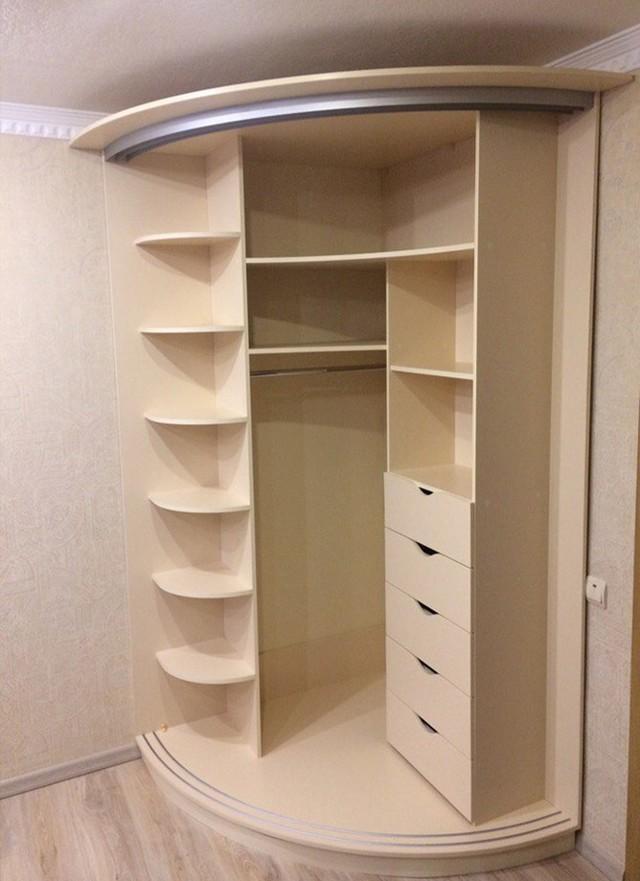 Угловой шкаф для спальни: особенности использования и наполнения