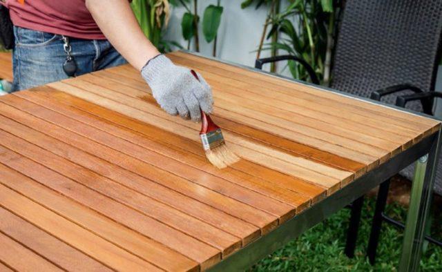 Как покрасить и декорировать деревянный стол своими руками