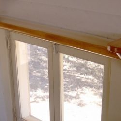 Как сделать резной двухрядный карниз для шторы своими руками?