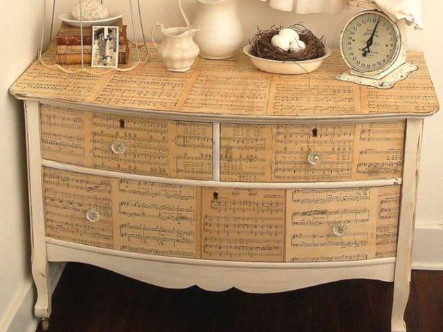 Как декорировать мебель своими руками: выбор техники и материалов