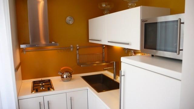 Кухонный гарнитур для маленькой кухни: выбор дизайна из 75 фото идей
