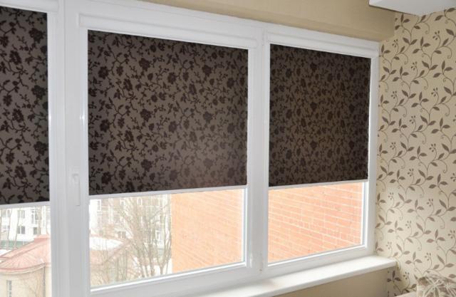 Кассетные рулонные шторы: модели с пружинным механизмом, установка на окна